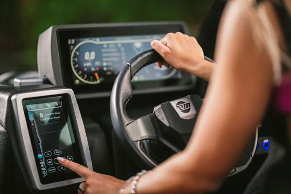 Malibu-21-MLX-Touch-Screen-Systems-Control